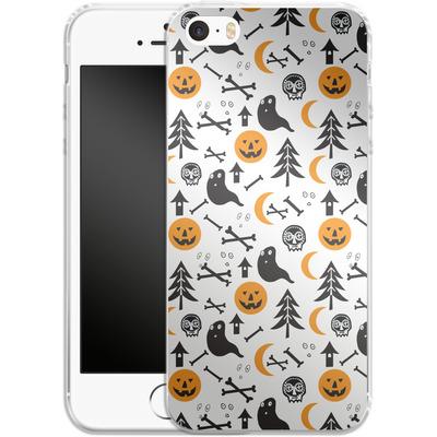 Apple iPhone 5s Silikon Handyhuelle - Halloween Mix von caseable Designs