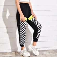 Pantalones deportivos con estampado de cuadros panel en contraste