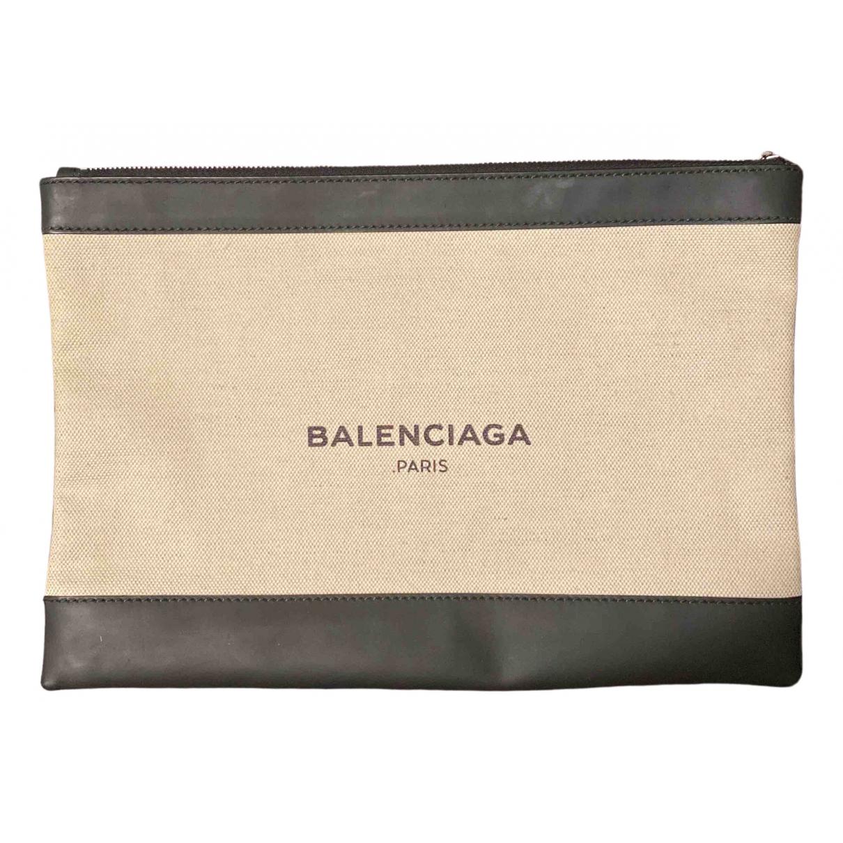 Balenciaga \N Clutch in  Ecru Leinen
