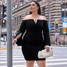 Schulterfreies Kleid mit V Ausschnitt und Schlitz an Ärmeln