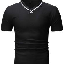 Polo Shirt mit Knopfen Detail