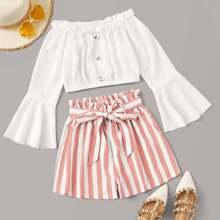 Schulterfreies Crop Top & Shorts mit Streifen und Guertel