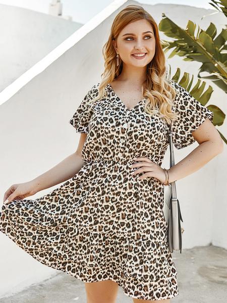 Yoins Plus Size Button Design Leopard V-neck Dress