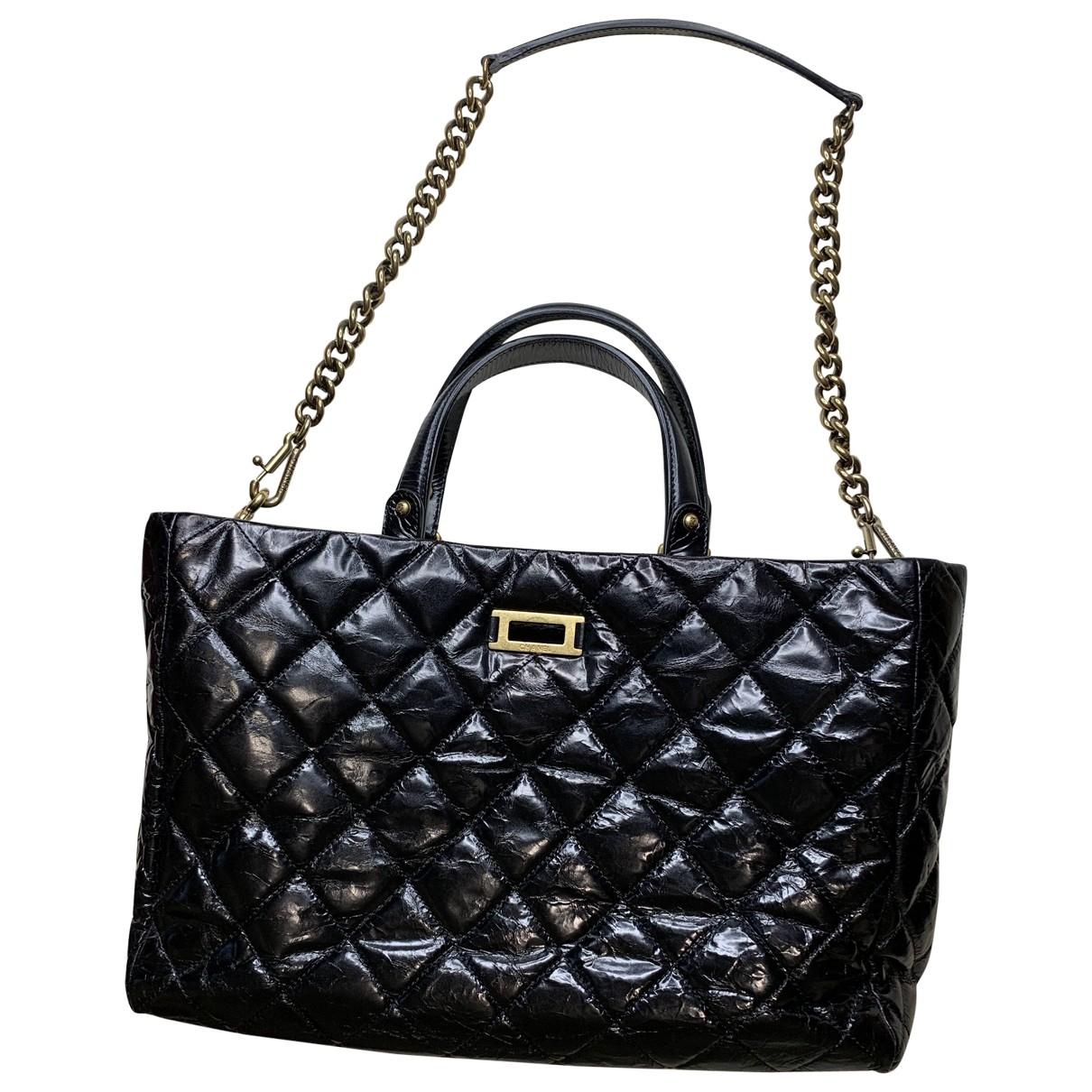 Chanel - Sac a main 2.55 pour femme en cuir verni - noir