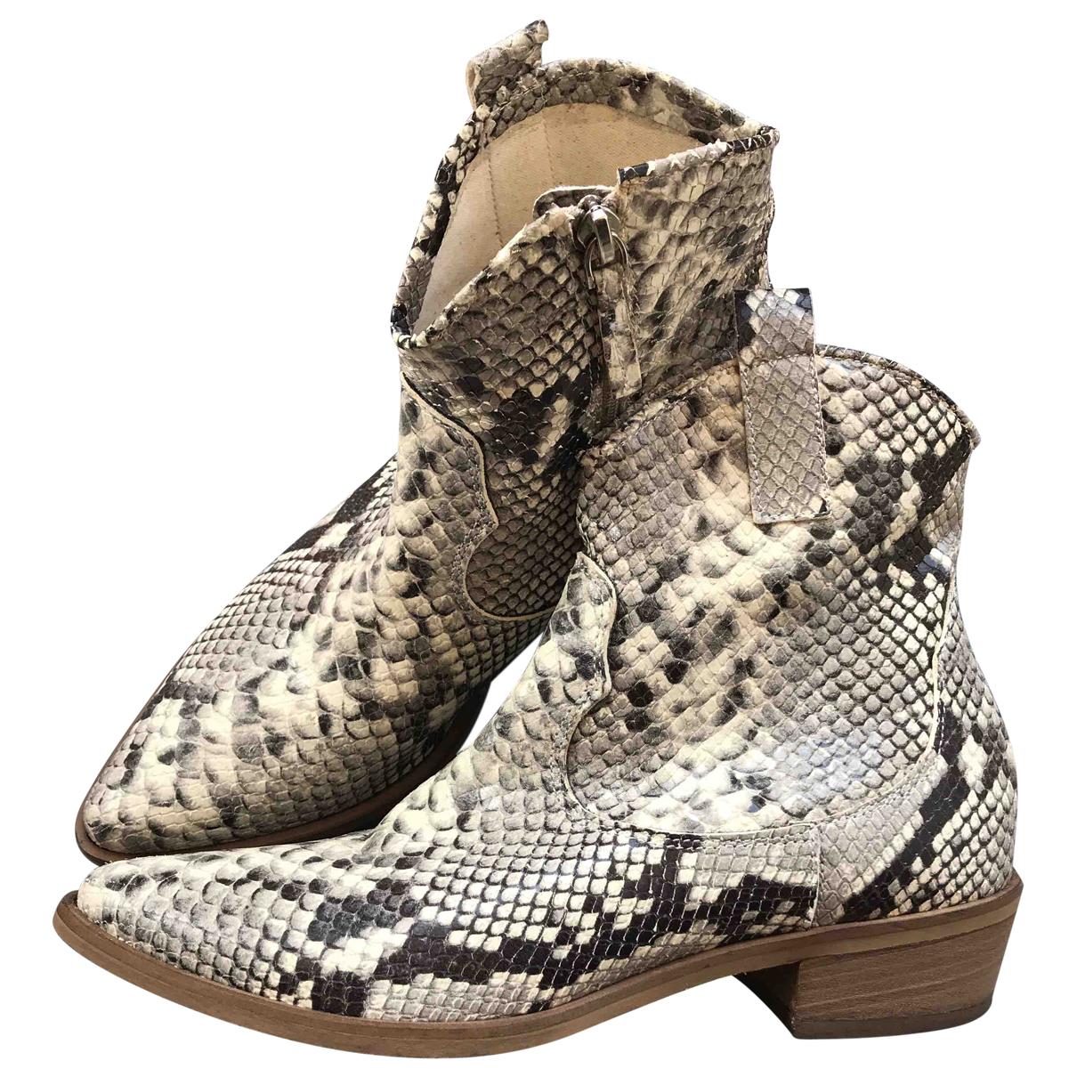 Ovye \N Stiefel in Leder