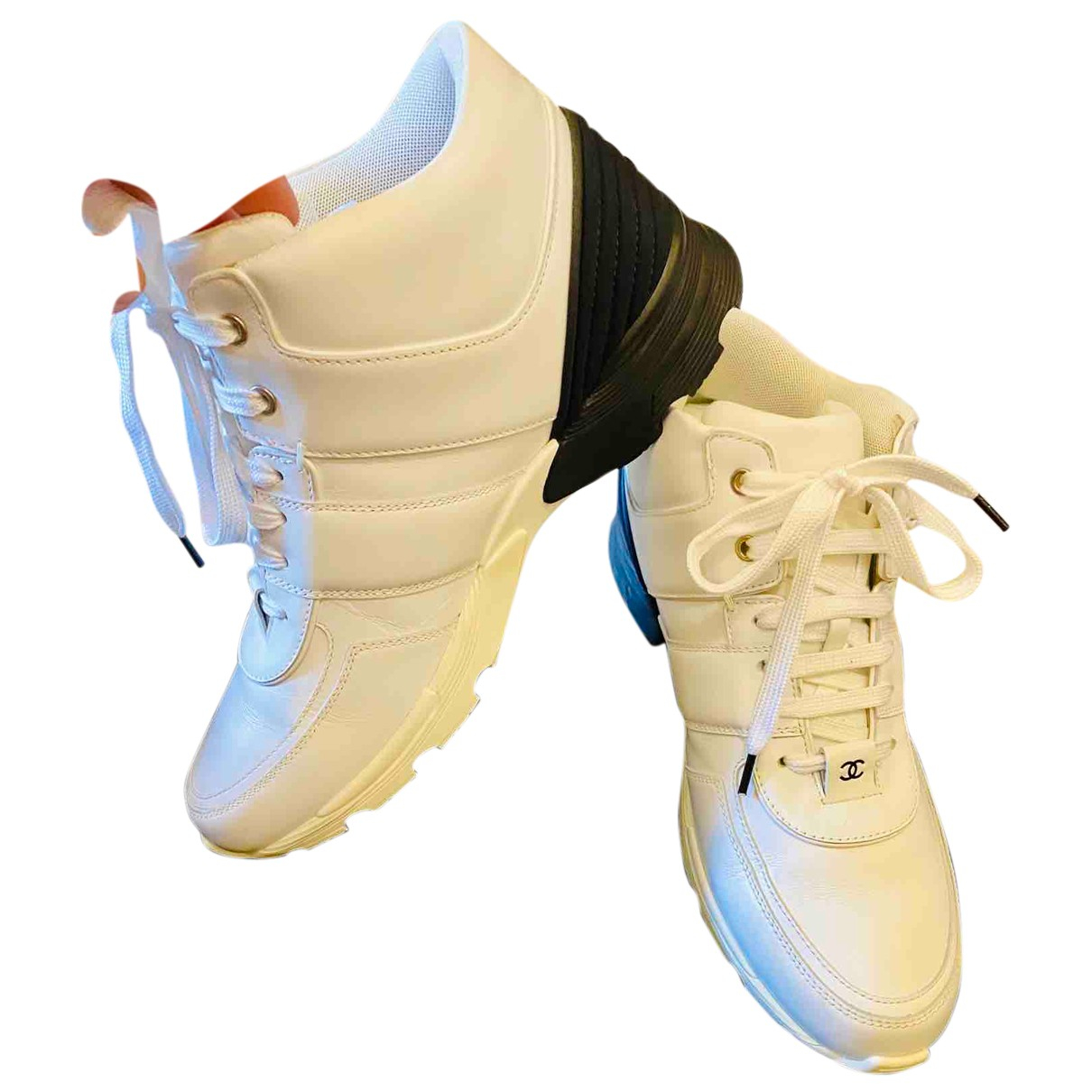 Chanel \N Sneakers in  Weiss Leder