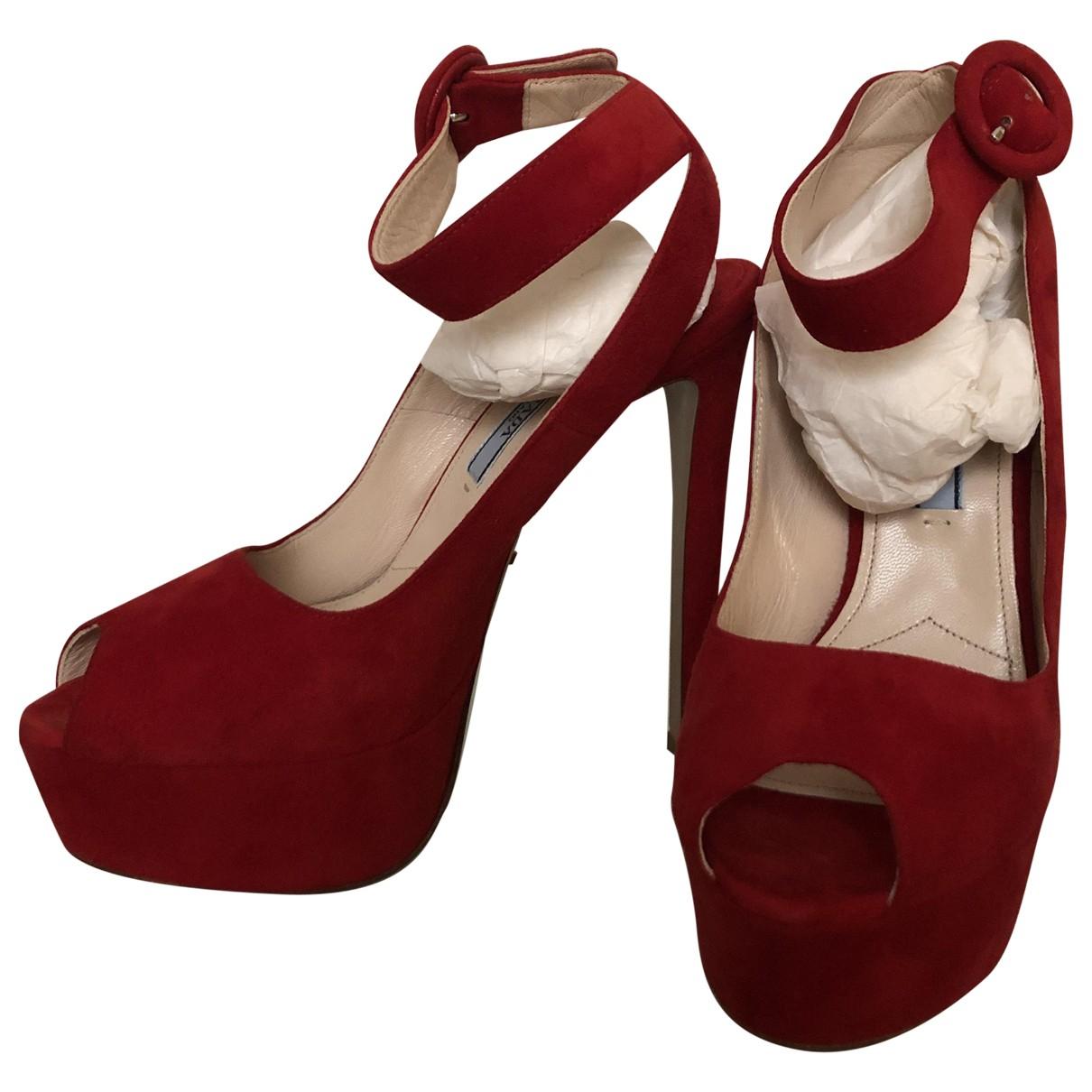 Prada - Sandales   pour femme en suede - rouge
