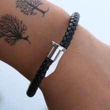 Geflochtenes Armband mit Nagel Dekor