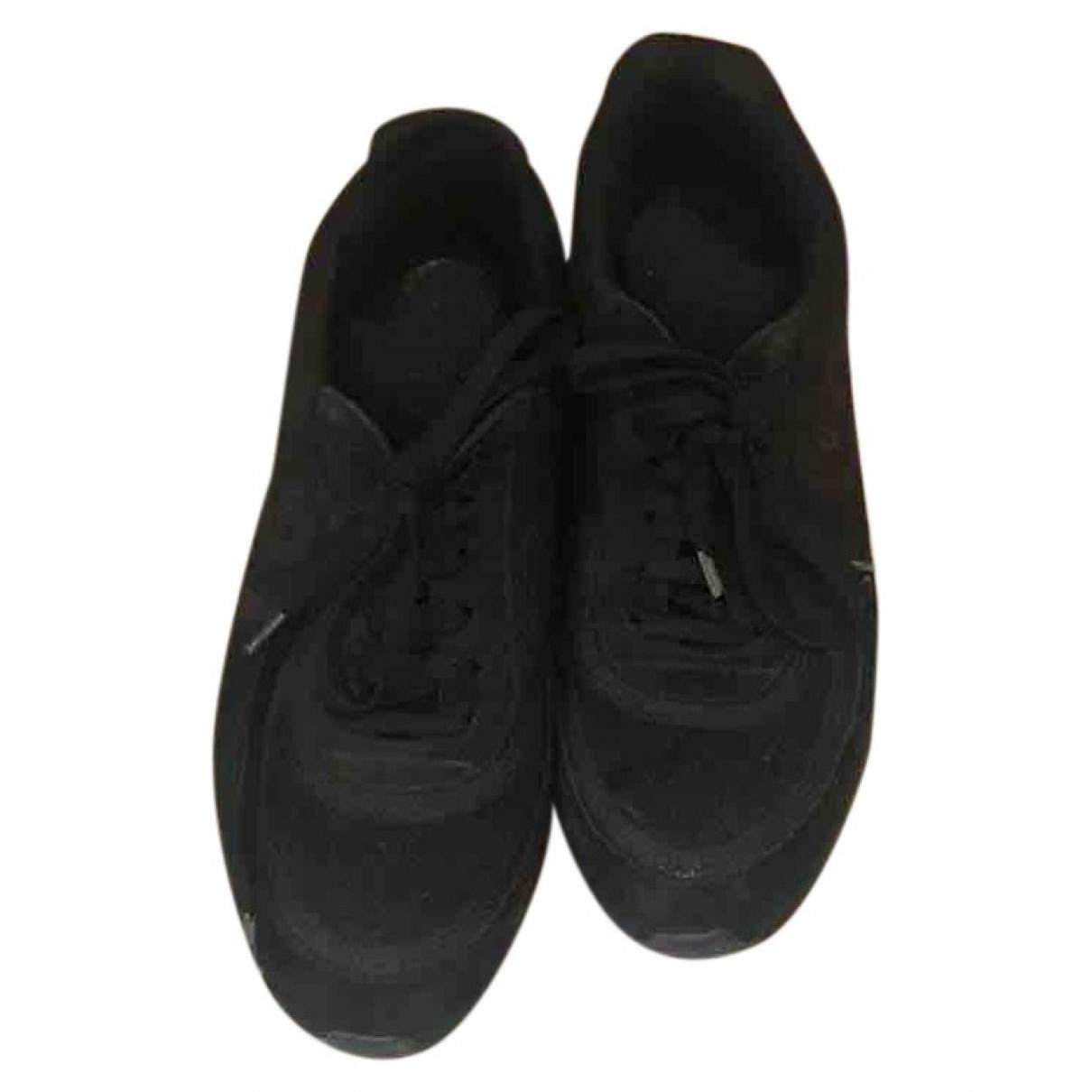 Chanel \N Sneakers in  Schwarz Leinen
