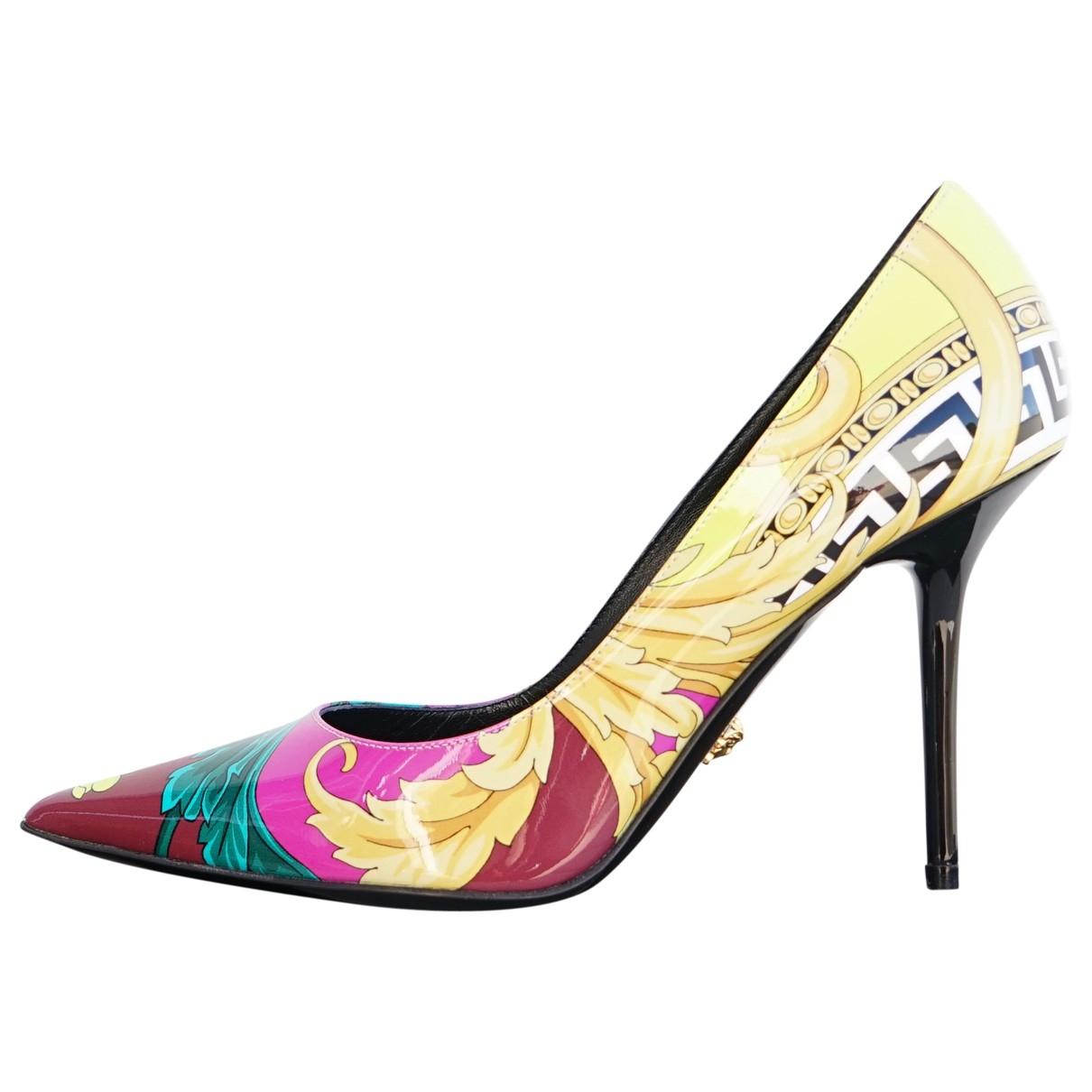 Versace - Escarpins   pour femme en cuir verni - multicolore