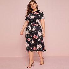 Grosse Grossen - A Linie Kleid mit Blumen Muster und Guertel