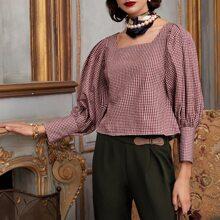 Bluse mit Karo Muster und quadratischem Kragen