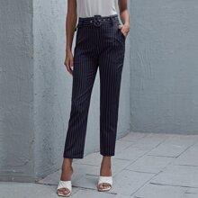 Hose mit Streifen Muster und Guertel