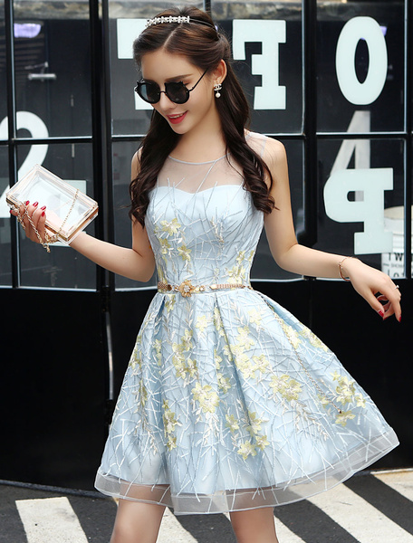 Milanoo Short Homecoming Dresses Lace Sweetheart Neckline Illusion Keyhole Embroidered Pastel Blue Cocktail Dress