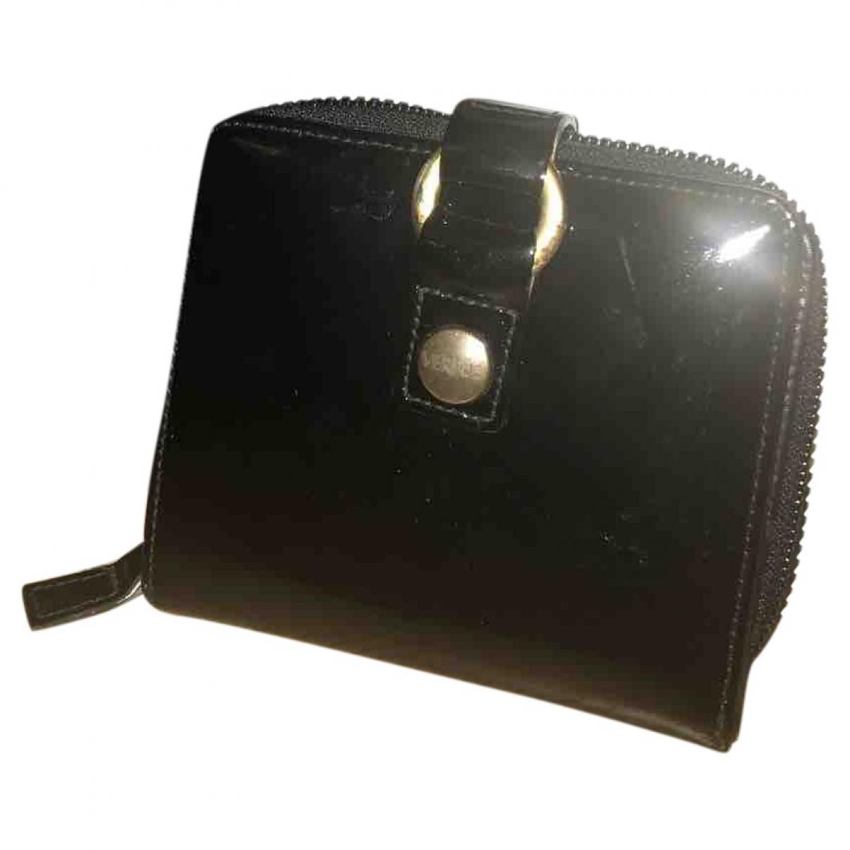 Versus \N Black Patent leather wallet for Women \N