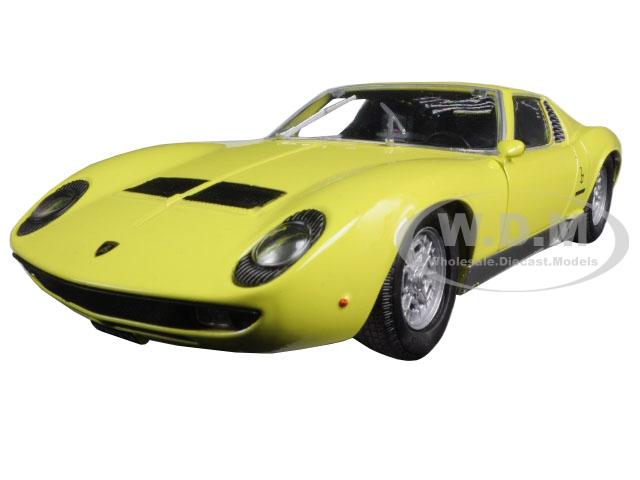 Lamborghini Miura P 400 S Yellow 1/24 Diecast Model Car by Motormax