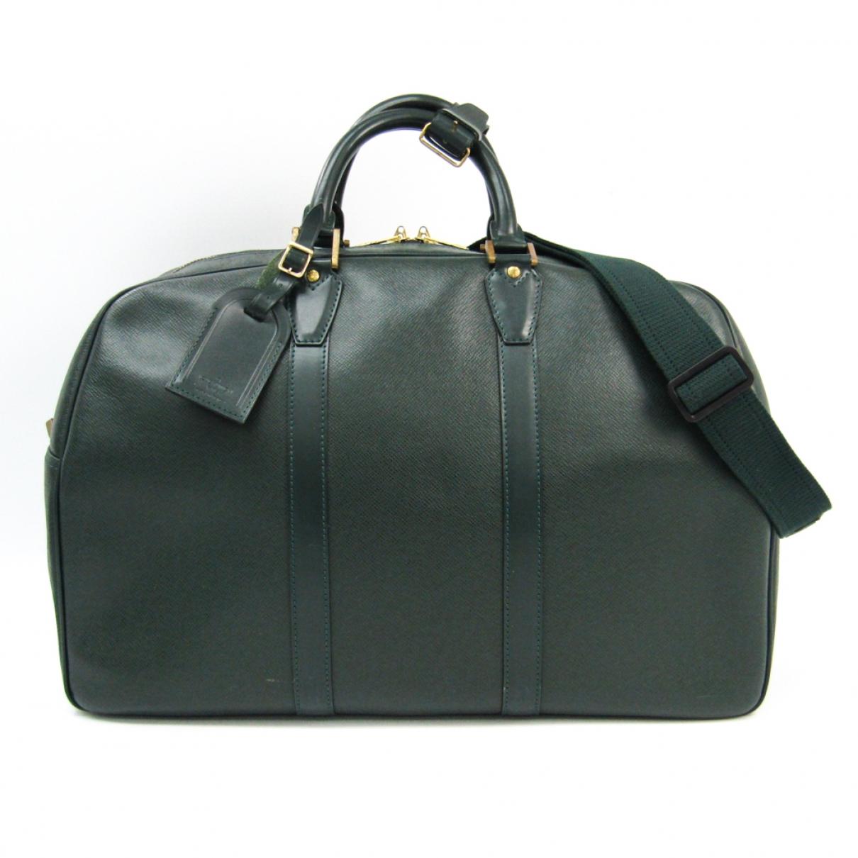 Louis Vuitton \N Green Leather Travel bag for Women \N