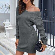 Strick Kleid mit sehr tief angesetzter Schulterpartie ohne Guertel