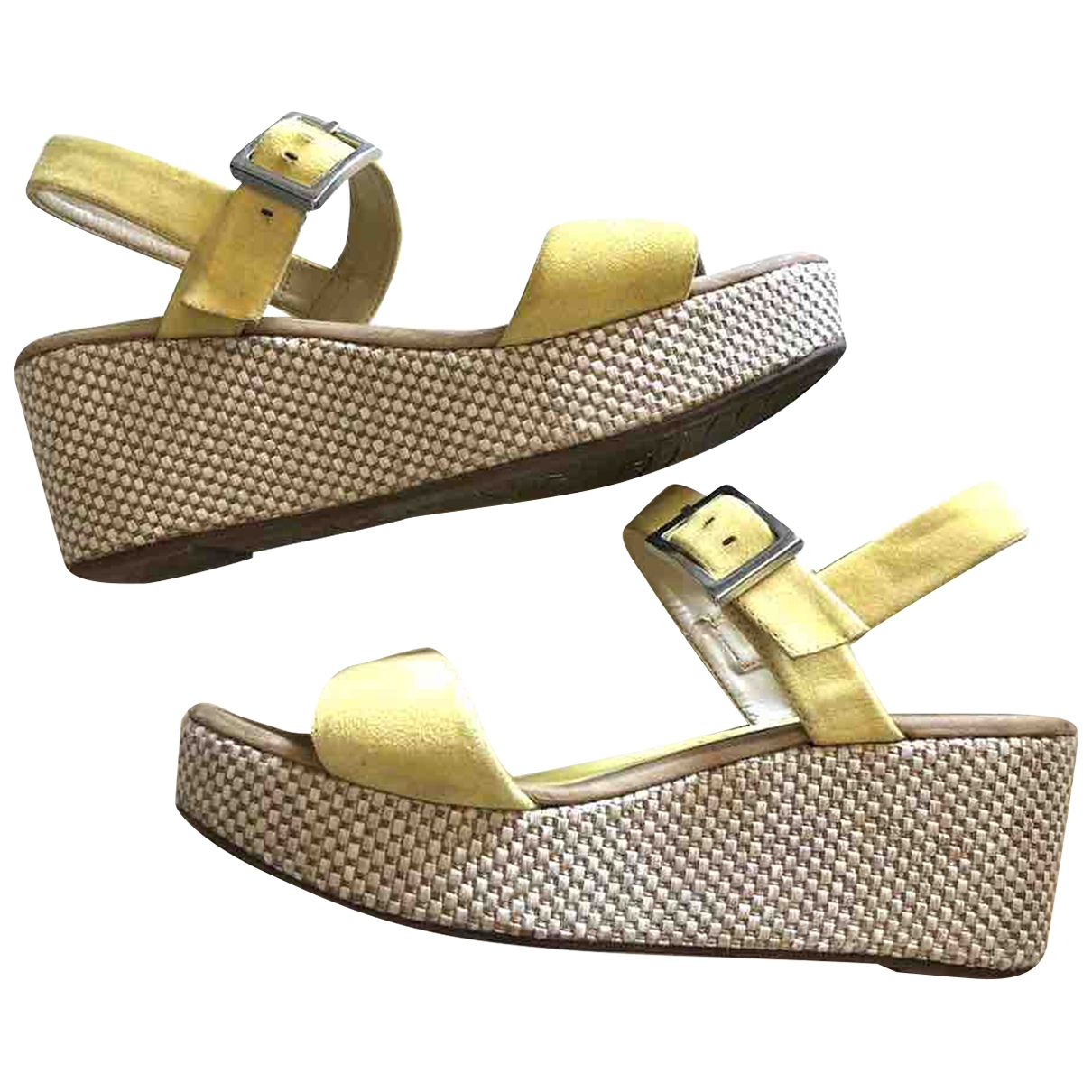 Non Signé / Unsigned \N Yellow Suede Sandals for Women 38 IT