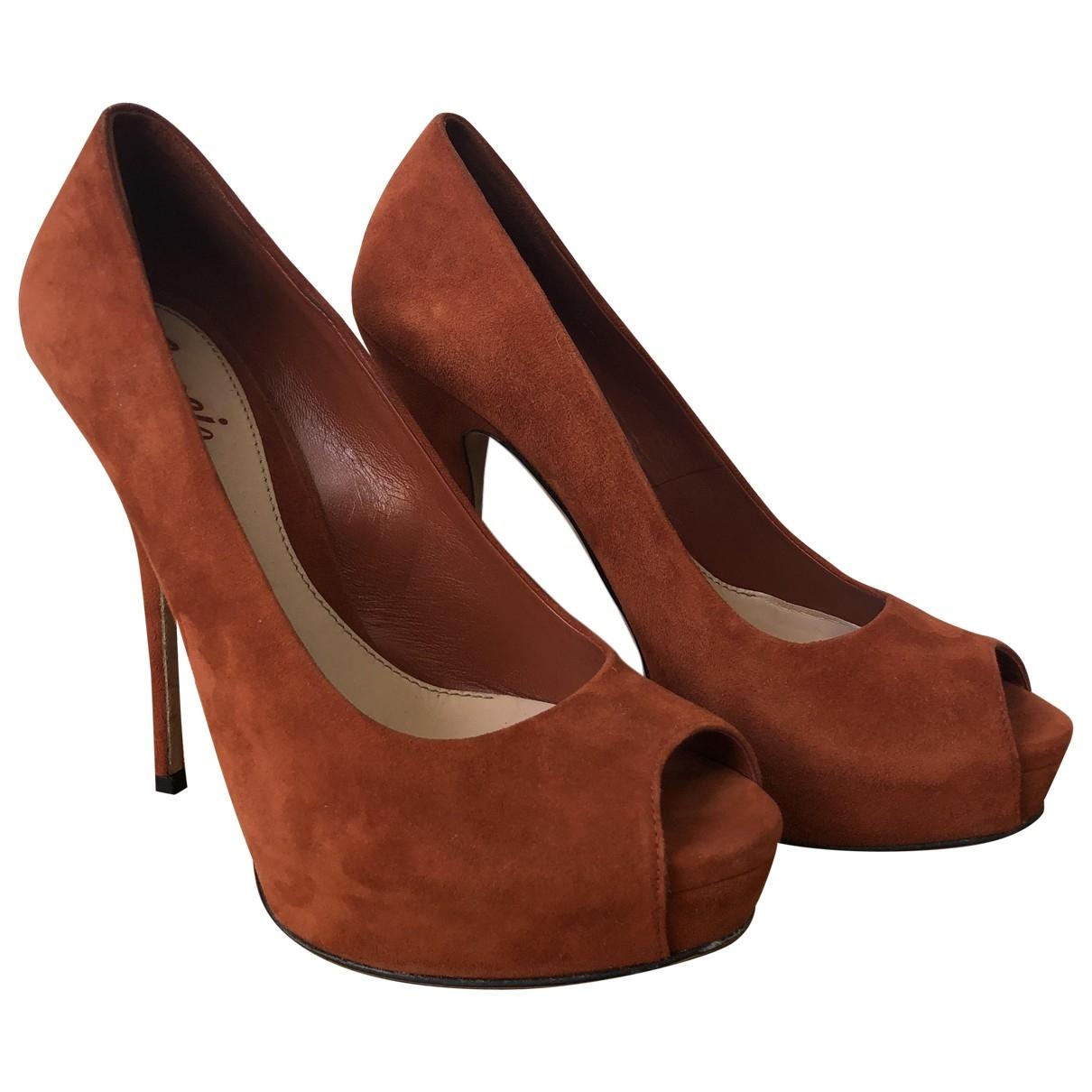Gucci \N Orange Suede Heels for Women 38 EU