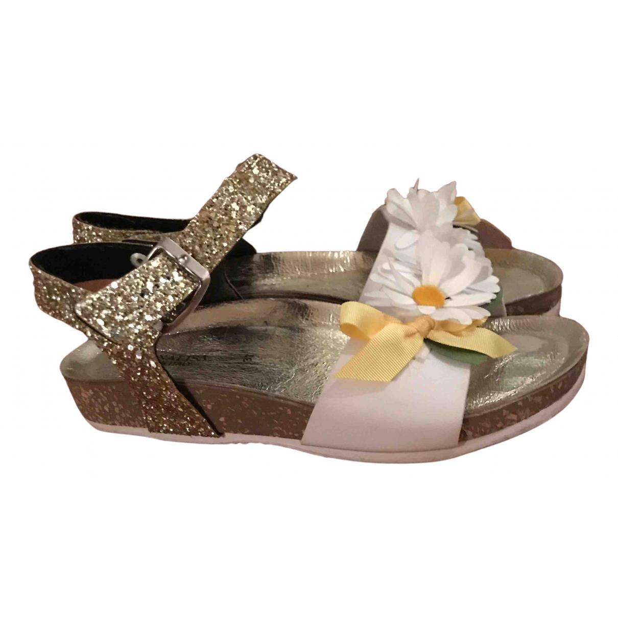 Monnalisa \N Sandalen in  Gold Kunststoff