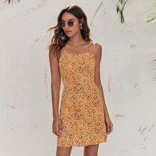 Cami Kleid mit Band hinten und Gaensebluemchen Muster