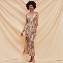 Cami Kleid mit tiefem Kragen, Schlitz und Pailletten