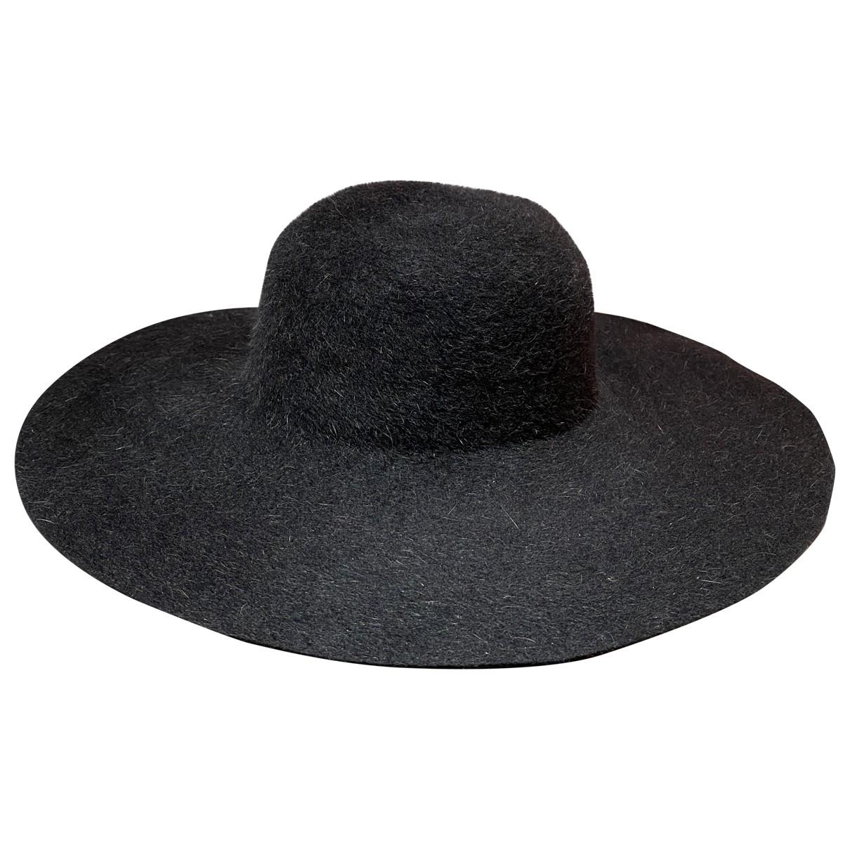 Tophop \N Hut in  Schwarz Wolle