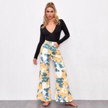 Jeans mit hoher Taille, Batik und breitem Beinschnitt