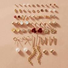 30pairs Faux Pearl & Flower Stud Earrings