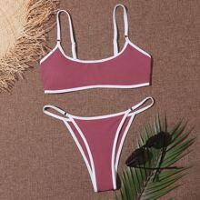 Bañador bikini tanga unido en contraste de canale