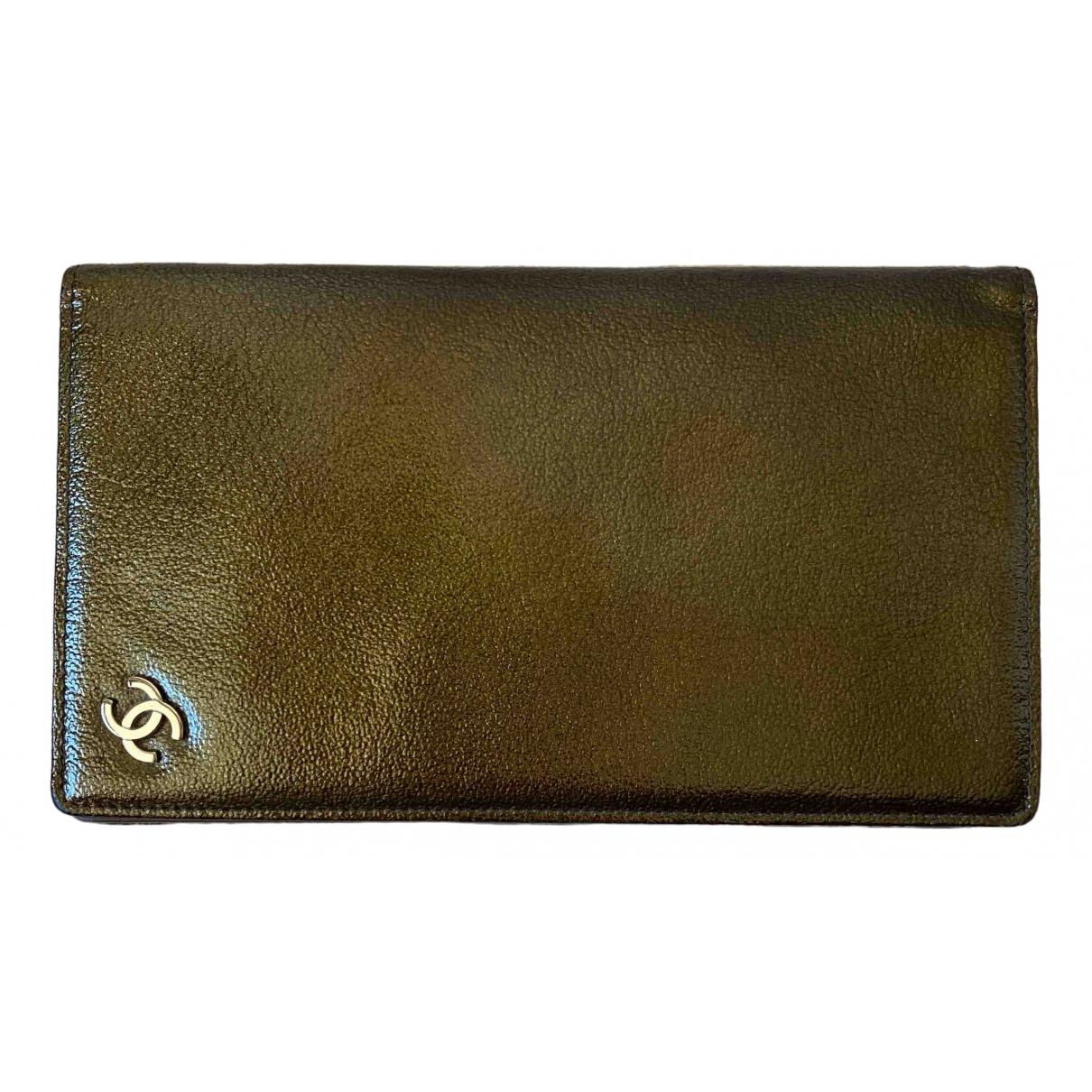 Chanel - Portefeuille Timeless/Classique pour femme en cuir verni - kaki