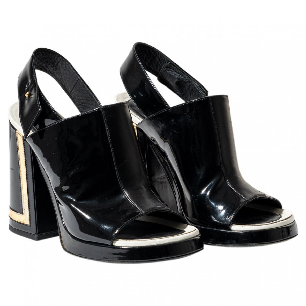 Kenzo \N Sandalen in  Schwarz Lackleder