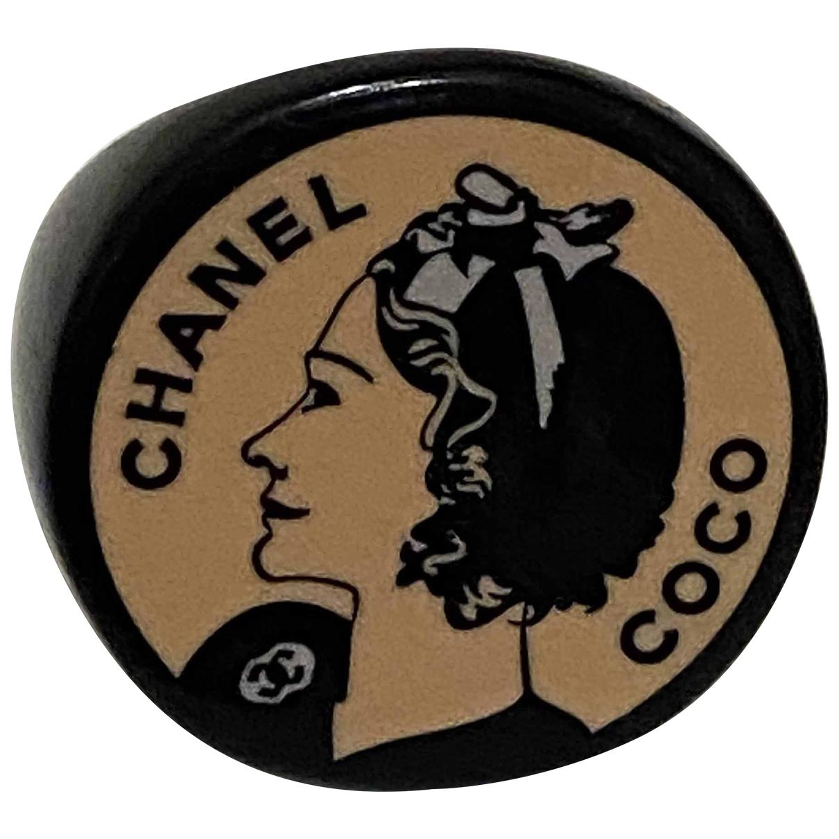 Chanel \N Ring in  Schwarz Kunststoff