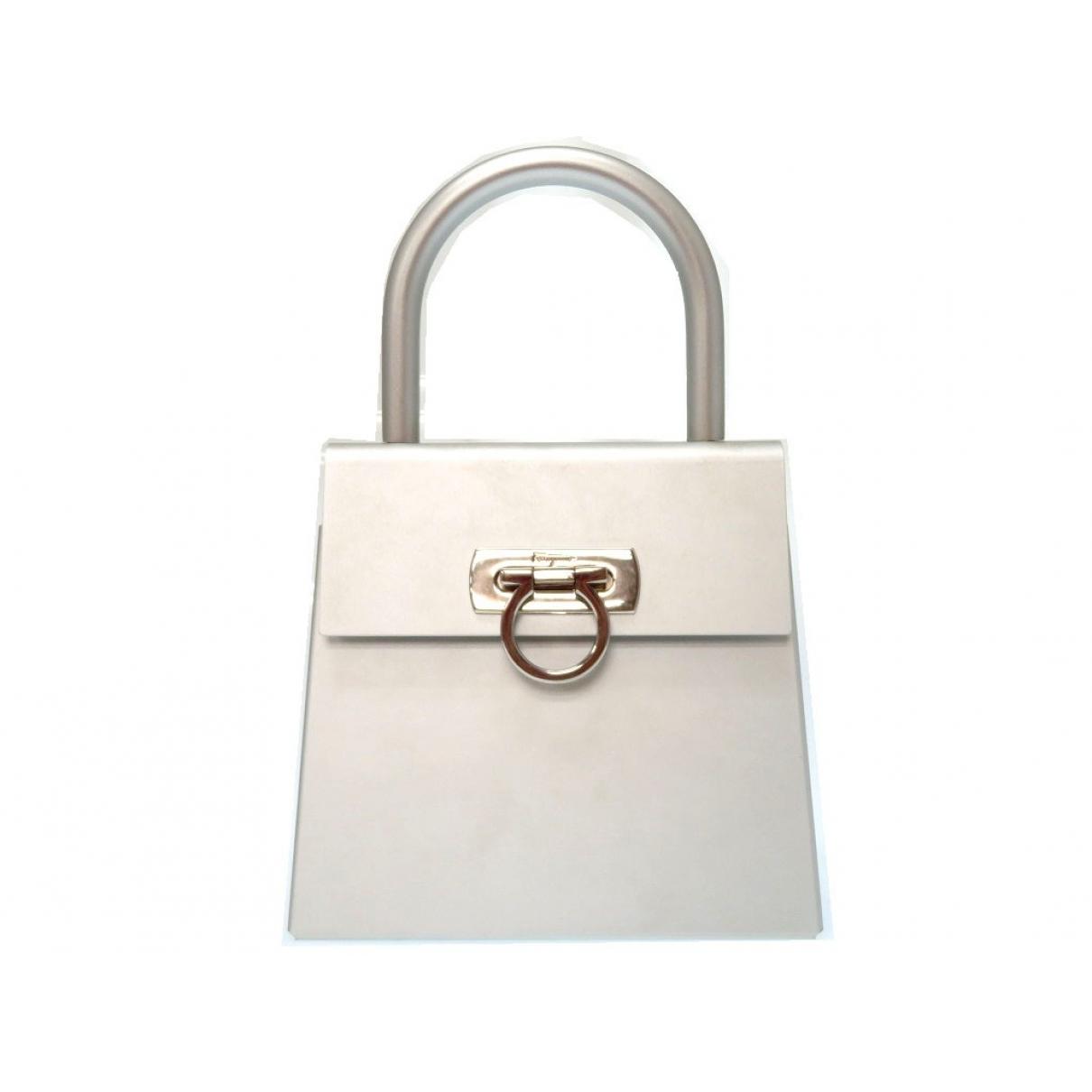 Salvatore Ferragamo \N Silver Metal handbag for Women \N