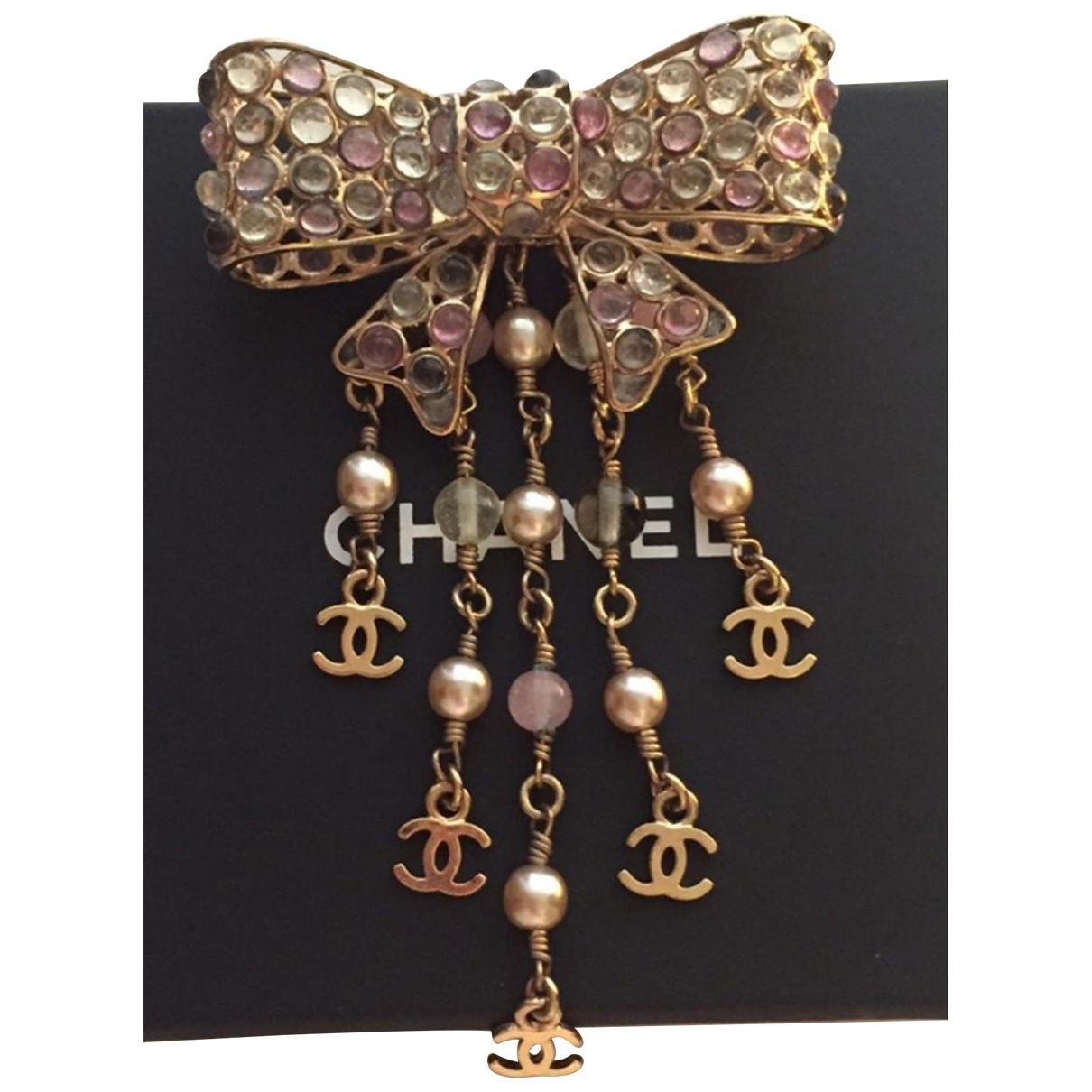 Chanel \N Brosche in  Bunt Metall