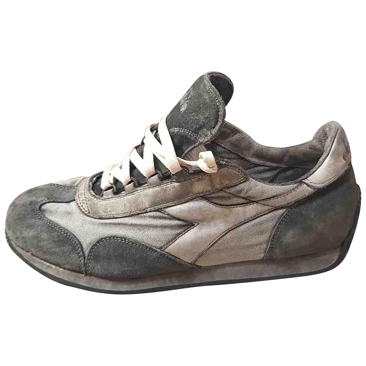 Diadora - Baskets   pour homme en suede - gris