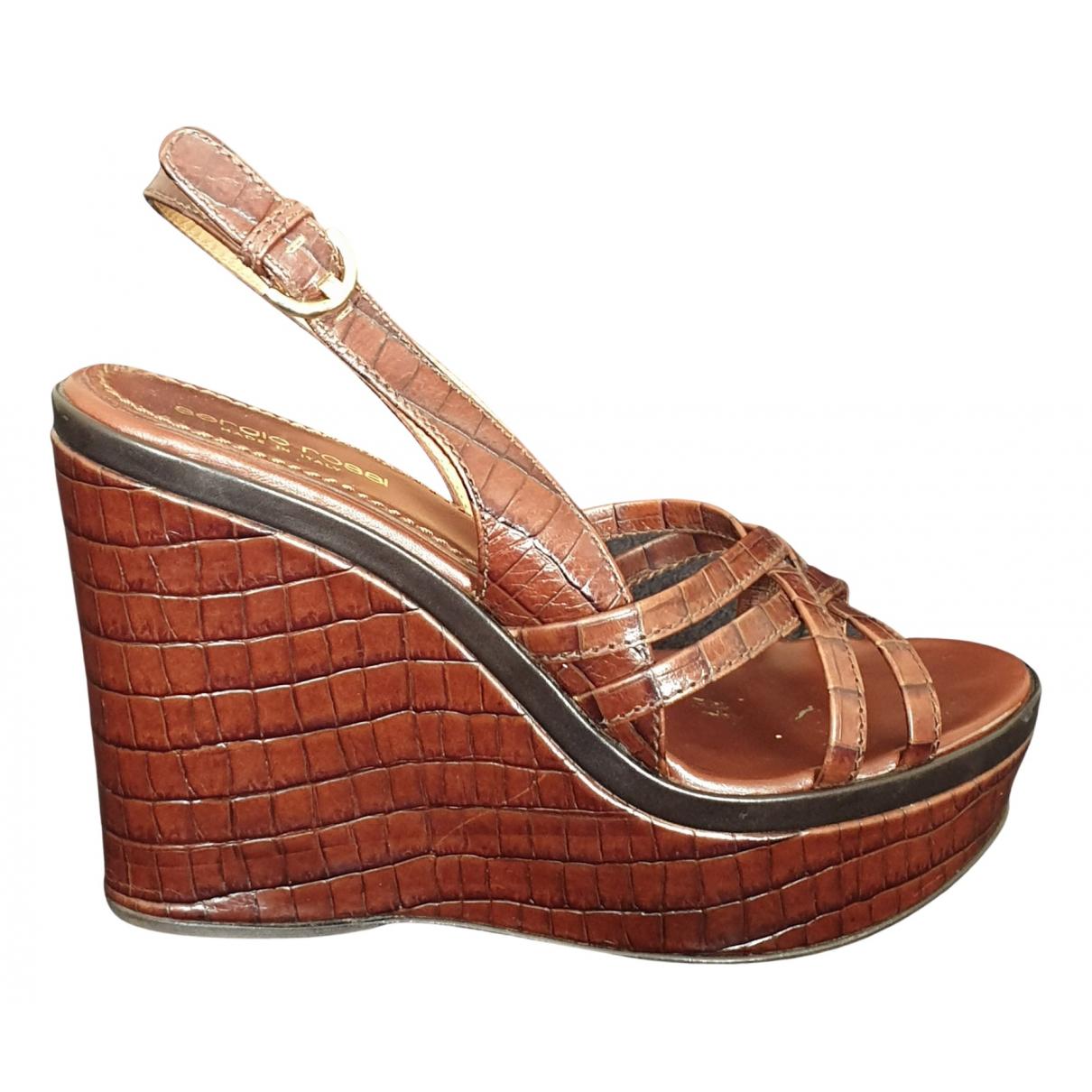 Sergio Rossi - Sandales   pour femme en cuir verni - marron