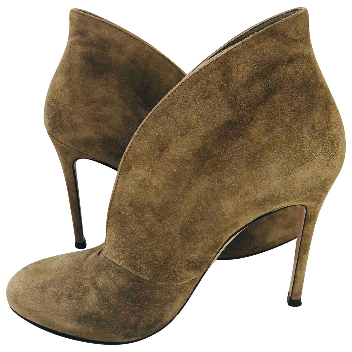 Gianvito Rossi \N Khaki Suede Ankle boots for Women 36 EU