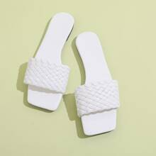 Sandalias anchas trenzadas