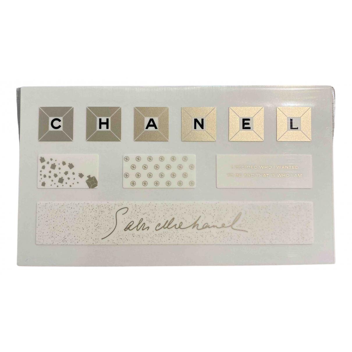 Chanel - Objets & Deco   pour lifestyle - dore