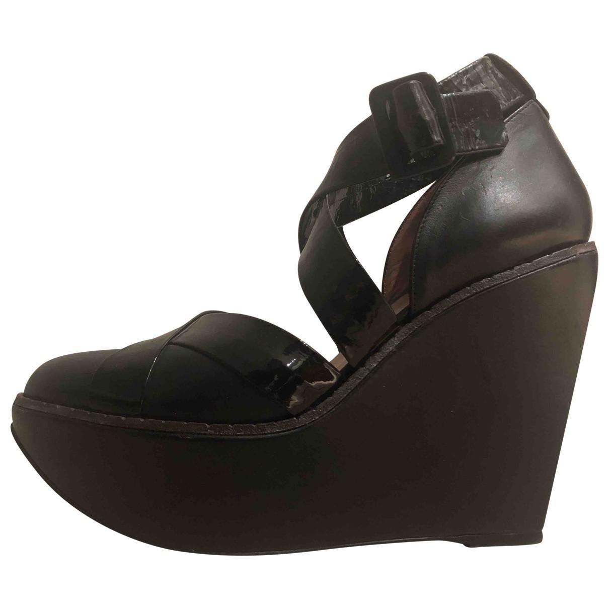 Robert Clergerie - Escarpins   pour femme en cuir verni - noir