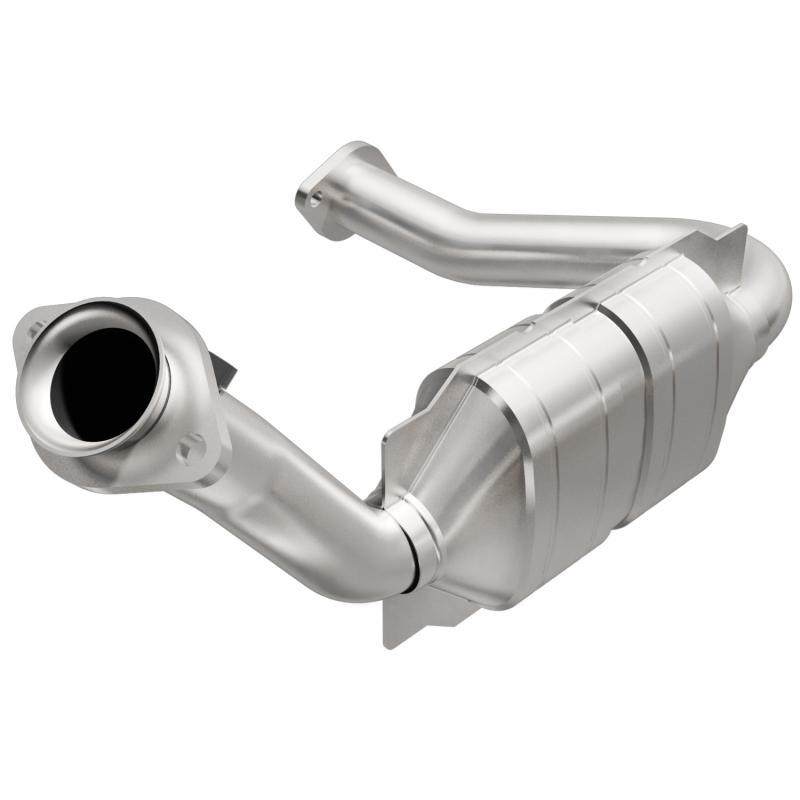 MagnaFlow 49677 Exhaust Products Direct-Fit Catalytic Converter
