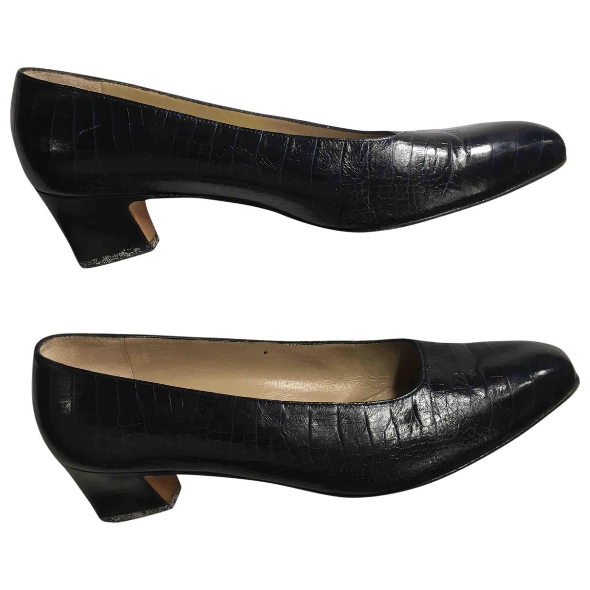 Salvatore Ferragamo - Escarpins   pour femme en cuir - noir