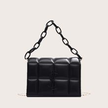 Bolsa cartera con textura con asa de cadena