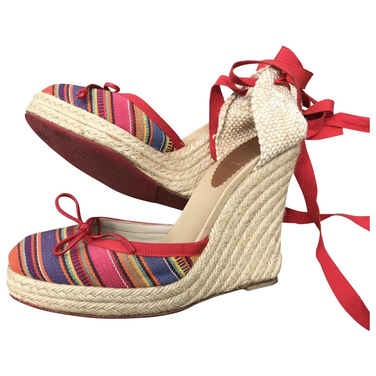 Christian Louboutin \N Red Cloth Heels for Women 37 EU