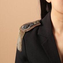 Metal Tassel Charm Shoulder Brooch