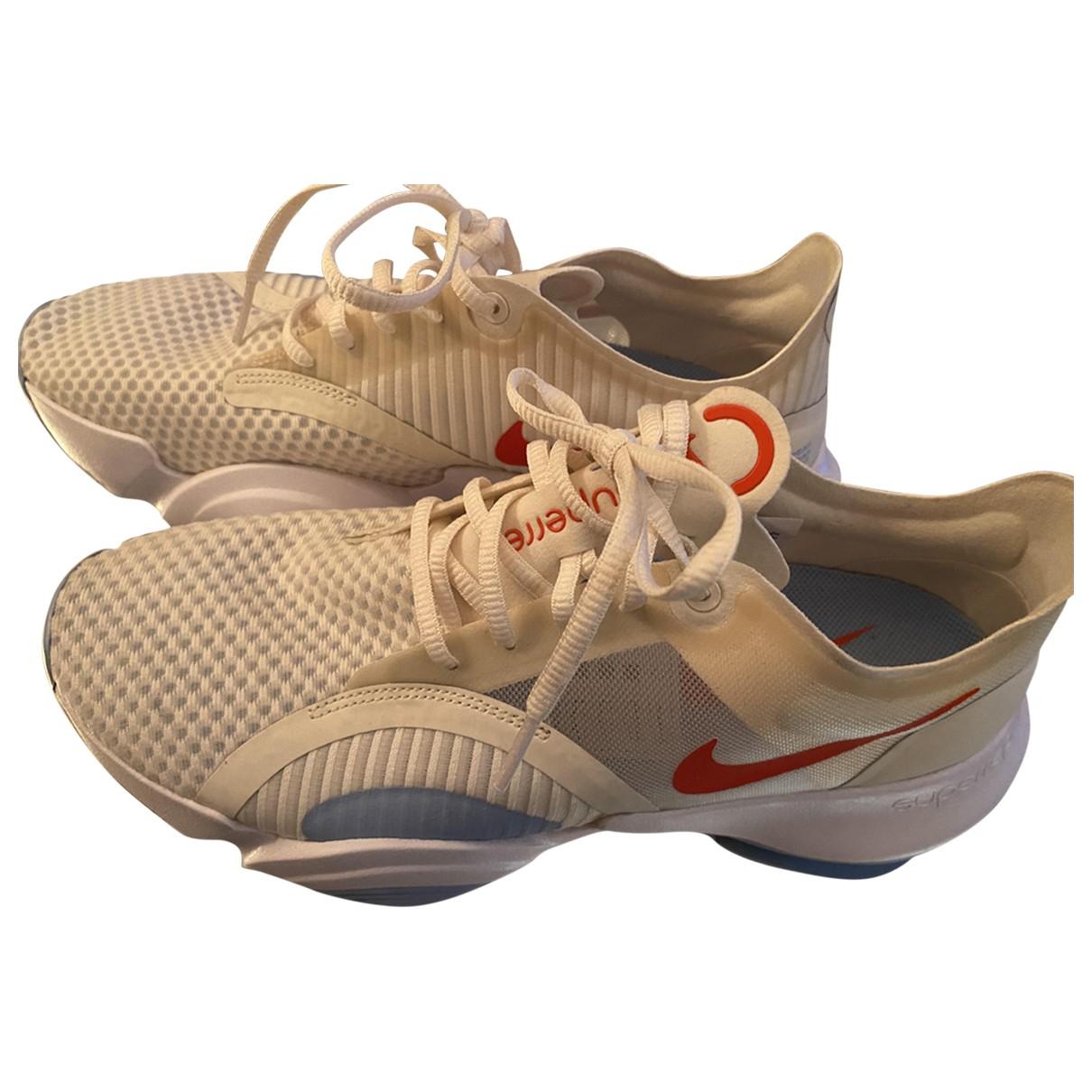 Nike \N Sneakers in  Ecru Leinen