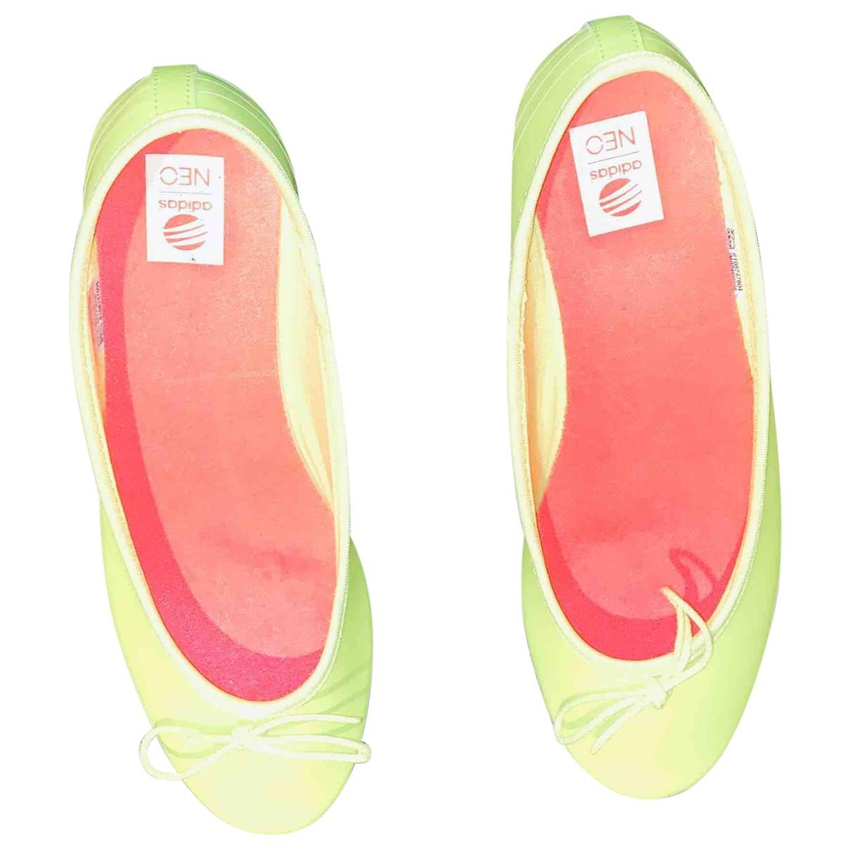 Adidas \N Ballerinas in  Gelb Lackleder