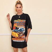 Vestido estilo camiseta de hombros caidos con estampado de slogan y coche